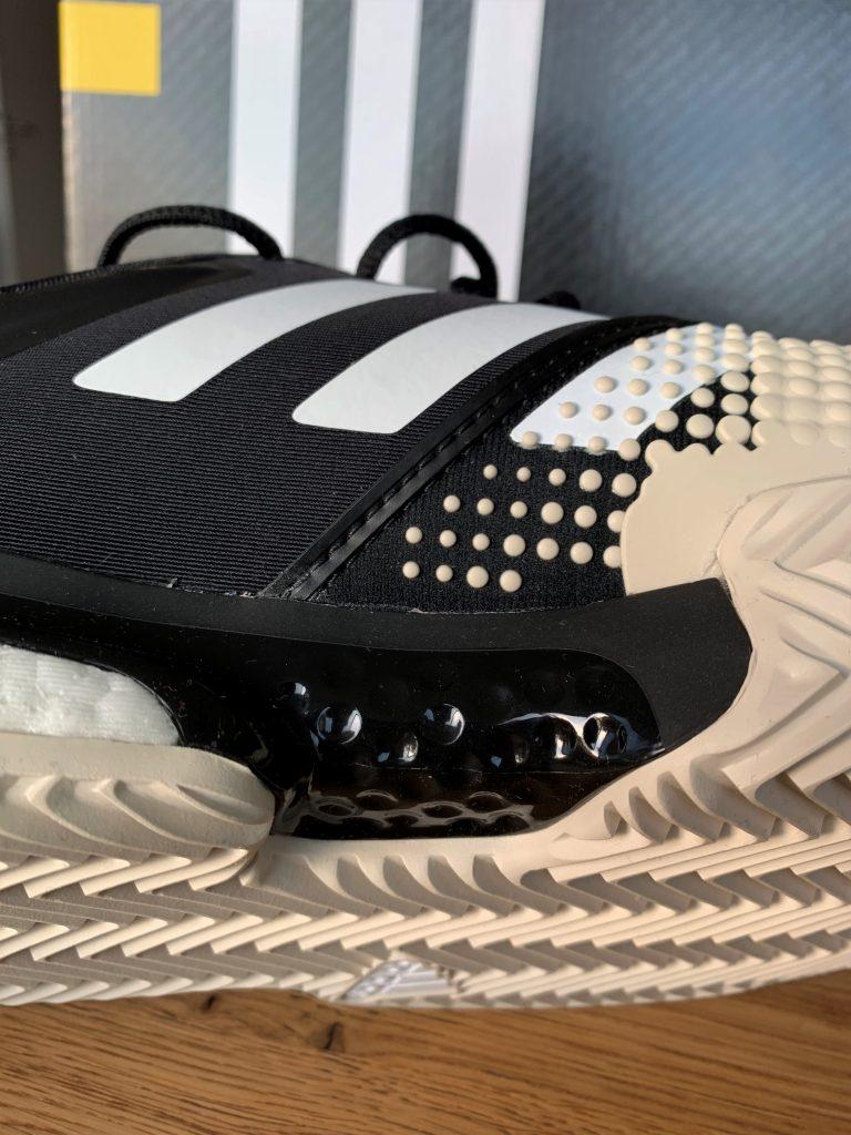 Adidas SoleCourt Boost im Test, seitliche Ansicht