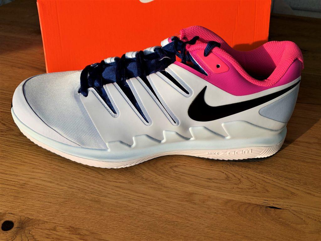 Nike Zoom Vapor X mit ausgepfeilten Schnürsystem